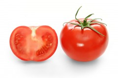 800px-Bright_red_tomato_and_cross_section02